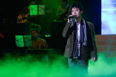 "#1: ""Góc Tối/Dark Corner"" performed by the writer Nguyễn Hải Phong"