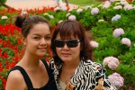 Pham Quynh Anh & mom