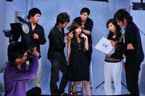khong tu quynh behind the scenes