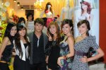 L-R: Albee Tuyen, Albee Ngoc Thao, Pham Bao, Kelly, Quynh Chi, Lou Tran (one of the most promising teen models)