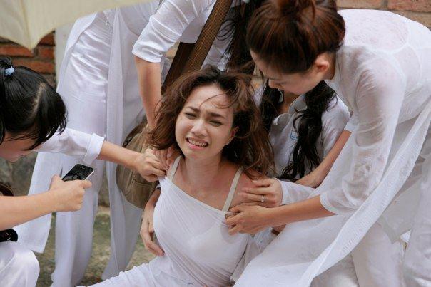 """""""Passport To Love"""" Actress Ngoc Diep Is Assaulted"""